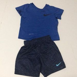 Toddler boys Nike outfit.